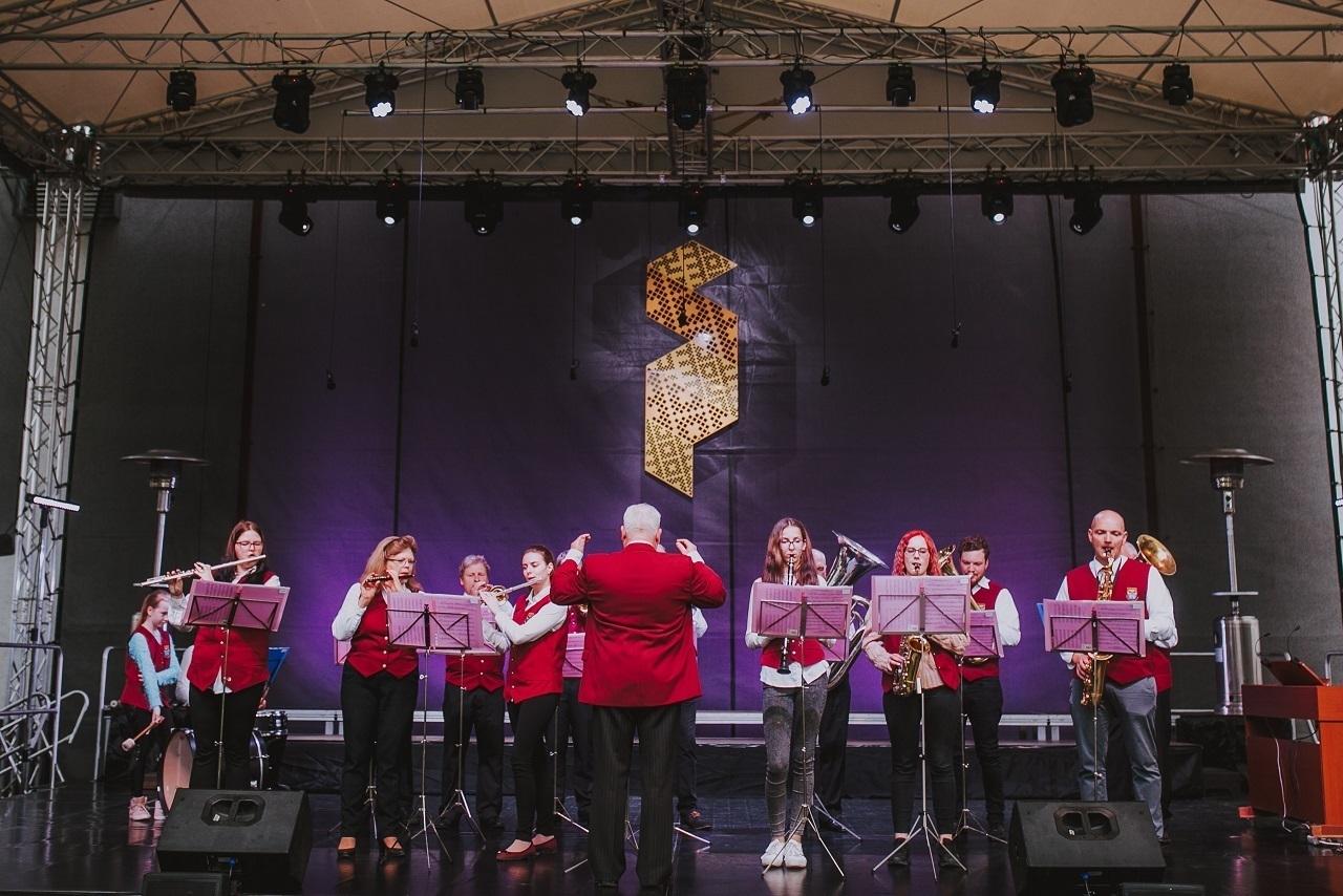 """2019.gada Salaspils amatiermākslas festivāls """"Salaspils dzied, dejo, spēlē""""! Ceturtā diena – Salaspils koru un pūtēju orķestra koncerts!"""
